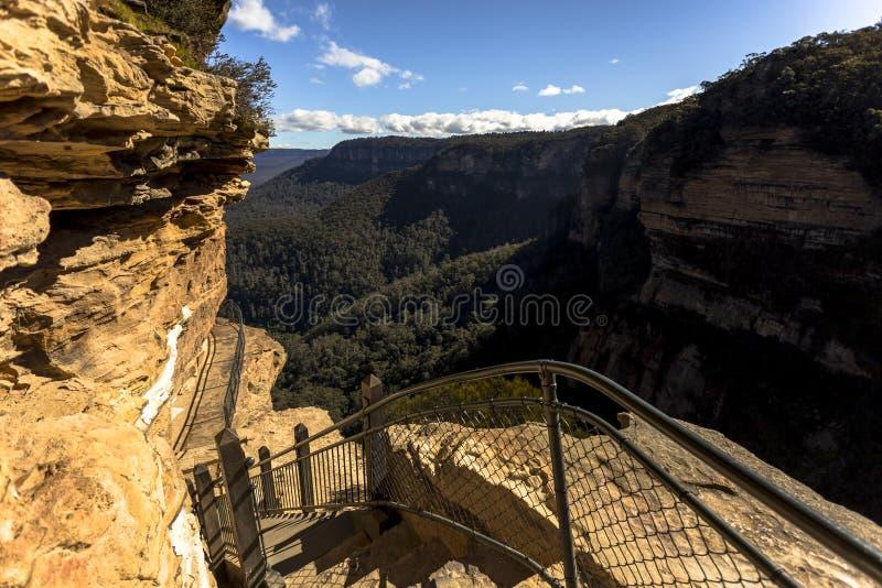 Manière au passage national près de Wentworth Falls, près de Katoomba, montagne bleue, Sydney images stock