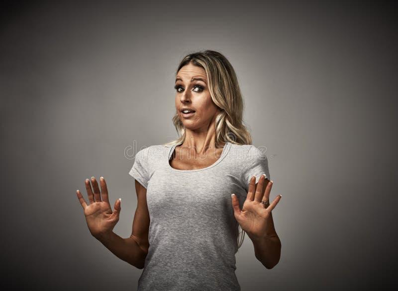 Manière d'éviter de femme photo stock