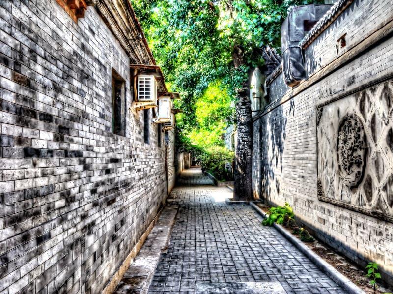 Manière tranquille d'allée de Hutong dans Pékin du centre image stock