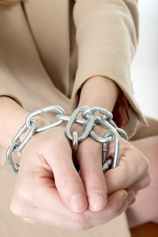 Mani in catene fotografie stock libere da diritti