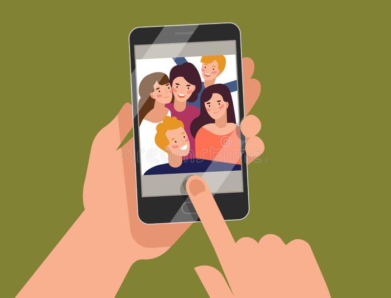 Mani che tengono smartphone con i giovani uomini e le donne sorridenti che visualizzano sullo schermo Amici che prendono selfie,  illustrazione di stock