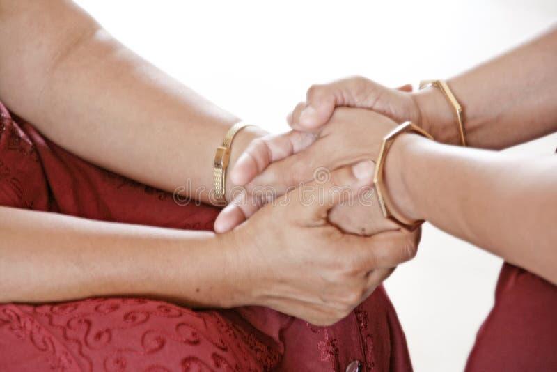 Mani curative di amore meditative 2 fotografie stock libere da diritti