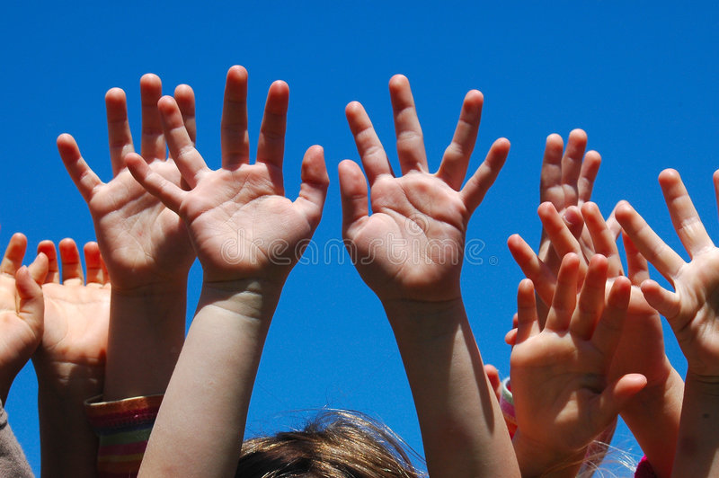 Mani dei bambini fotografie stock libere da diritti