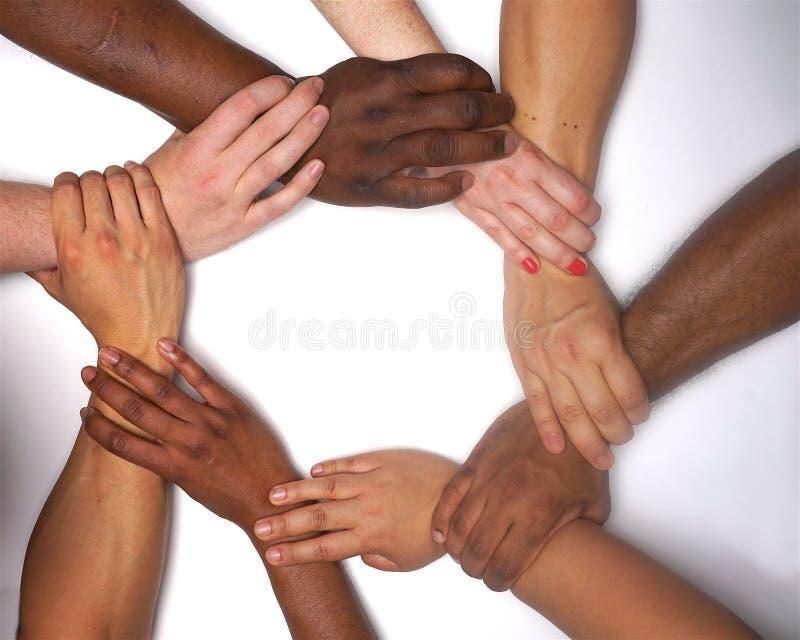 Mani dell'autorizzazione delle donne di diversità di colore fotografia stock libera da diritti