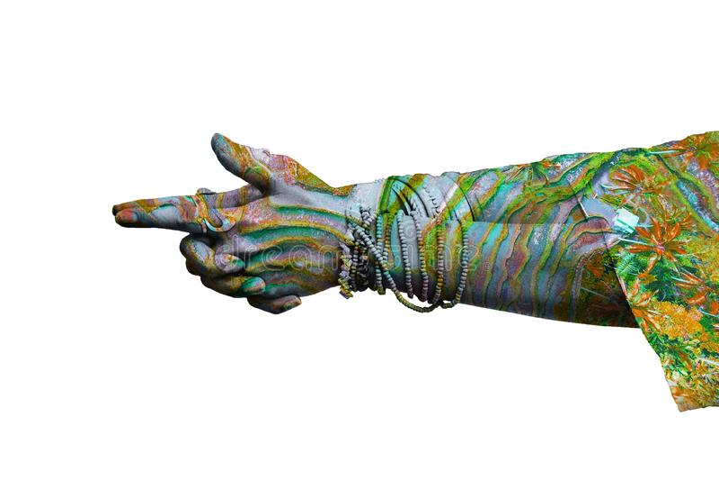 Mani della donna nel lotto d'uso di mudra di gesto simbolico di yoga di doppia esposizione degli anelli e dei braccialetti immagini stock