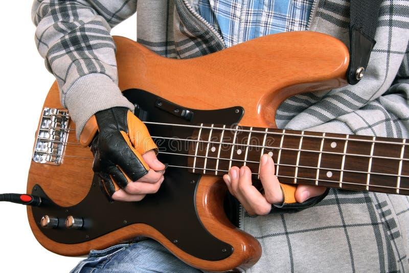 Mani di un musicista della roccia immagine stock libera da diritti