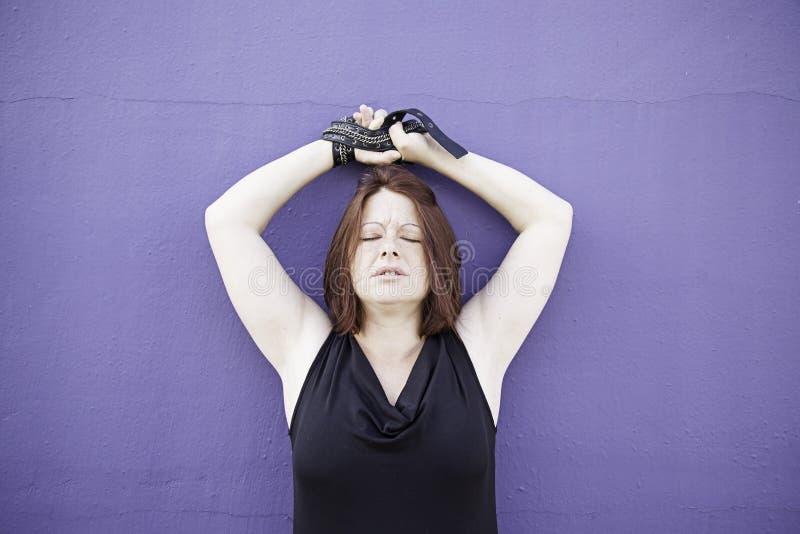 Mani legate ragazza fotografia stock libera da diritti