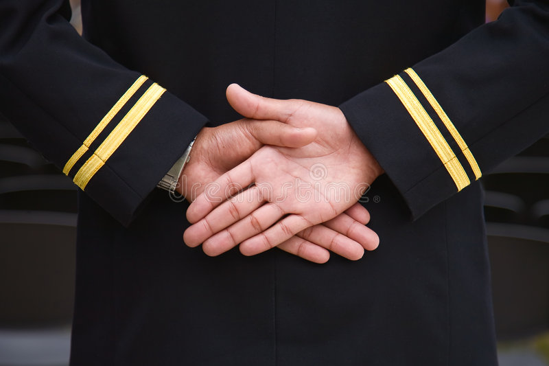 Mani navali della recluta. fotografie stock