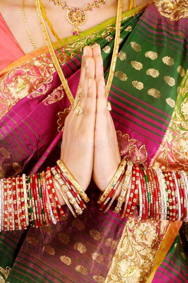 Mani nella posizione di preghiera fotografie stock libere da diritti