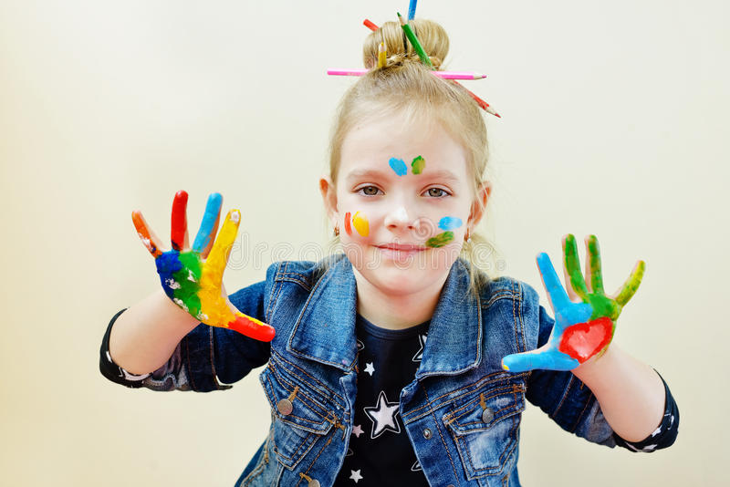Mani in pittura fotografia stock libera da diritti