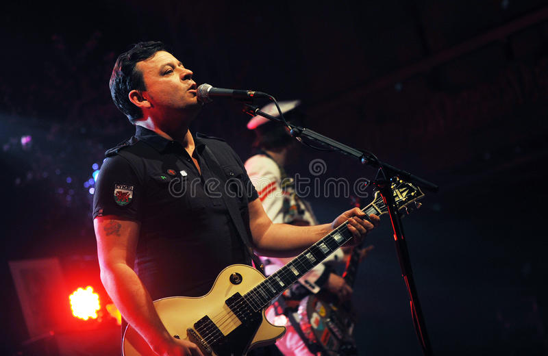 Download Manic Street Preachers editorial photography. Image of performer - 24503462