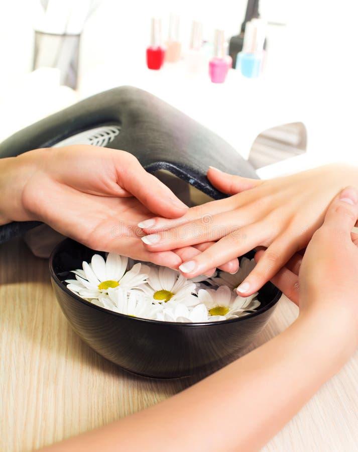 Manicure Behandlung stockfotos