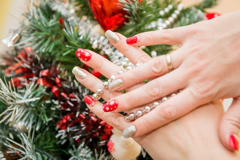Manicure di arte dell'unghia di Natale immagine stock libera da diritti