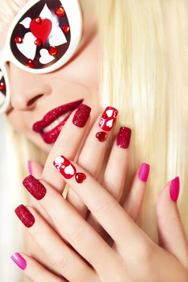 Manicure en make-up met harten royalty-vrije stock fotografie