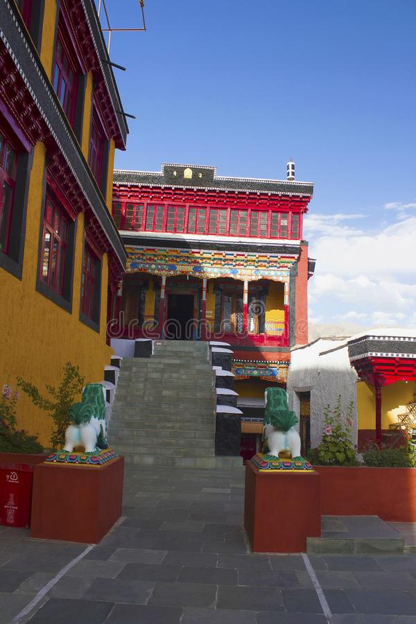 Manier aan het Klooster van Maitreya Boedha Thiksey, Jammu en Kashmir, India stock foto's
