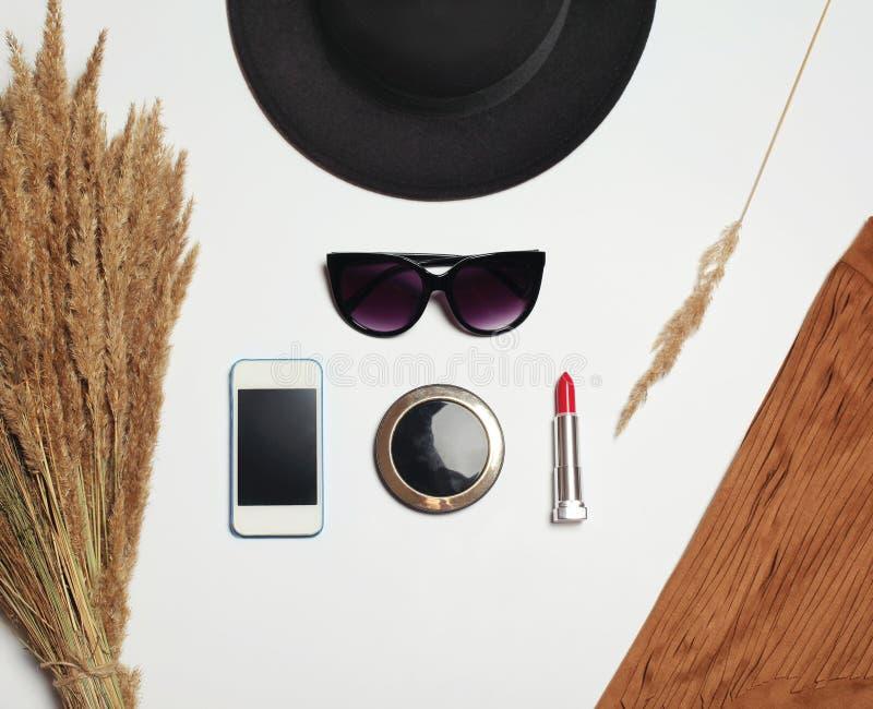 Ronde Zwarte Spiegel : Manier bijkomende ronde zwarte hoed zonnebril het