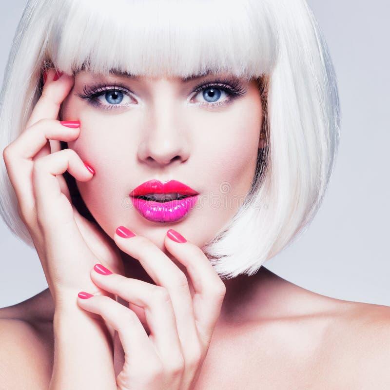 Manierportret van een Mooi Meisjes` s Gezicht met professionele Make-up royalty-vrije stock afbeelding