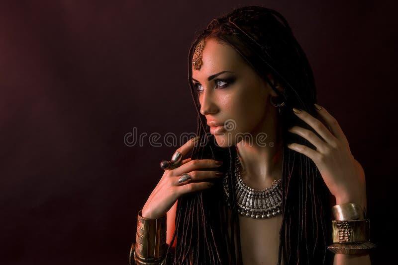 Manierschoonheid en modieus haar Samenstelling Mooie Sexy Vrouw royalty-vrije stock afbeeldingen