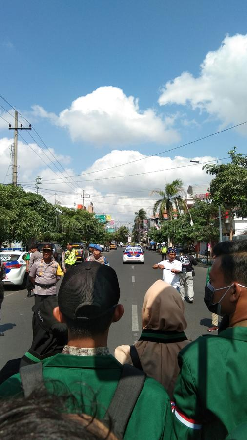 Manifestación estudiantil rechaza la legalización de las regulaciones en Tulungagung, Java Oriental, Indonesia imagen de archivo libre de regalías