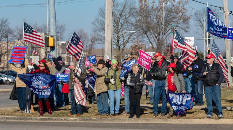 Manifestación a favor de Trump en la carretera Route 30 Lincoln y en la ruta Lagrange Rd 45 foto de archivo libre de regalías