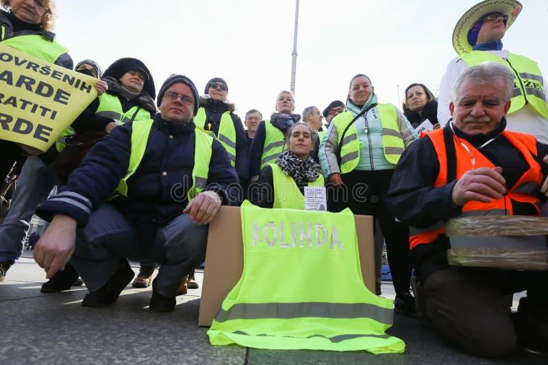 Manifestantes amarillos de los chalecos en Zagreb imagen de archivo libre de regalías