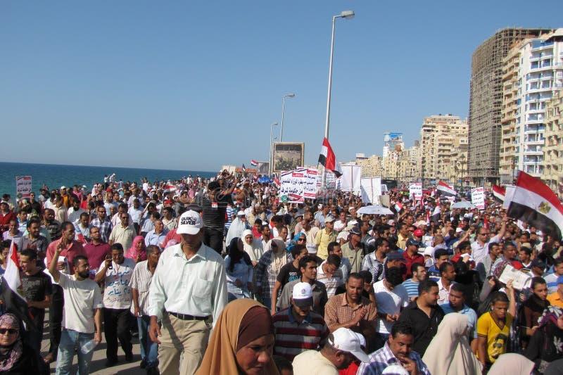 Manifestantes de los egipcios que piden reforma fotos de archivo libres de regalías