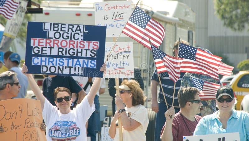Manifestantes del impuesto del partido de té imagen de archivo