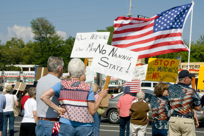 Manifestantes del impuesto del partido de té imagenes de archivo