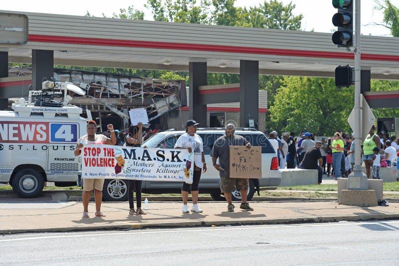 Manifestantes en Ferguson foto de archivo