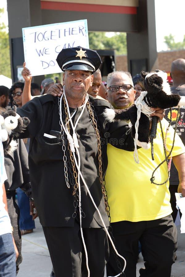 Manifestantes en Ferguson, MES fotos de archivo