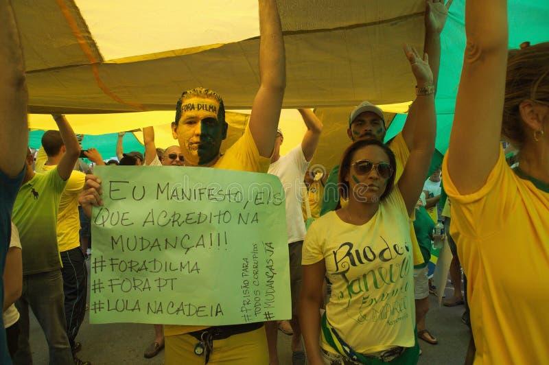 Manifestatie in Rio de Janeiro (Brazilië) op 13/03/16 stock afbeeldingen