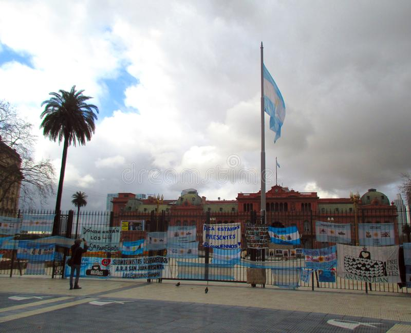 Manifestation at the Plaza de Mayo in Buenos Aires. I demand the government for the search of the submarine Ara San Juan in the Plaza de Mayo in Buenos Aires stock images