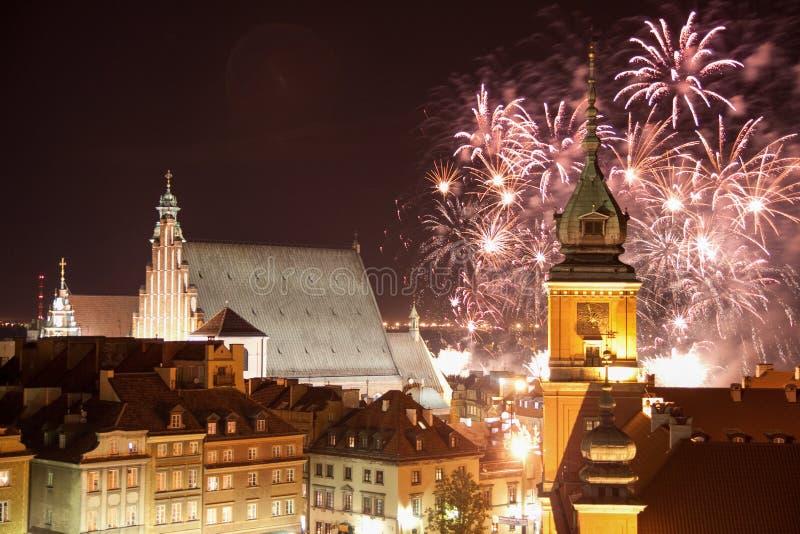 Manifestazione dei fuochi d'artificio sul nuovo anno immagini stock libere da diritti