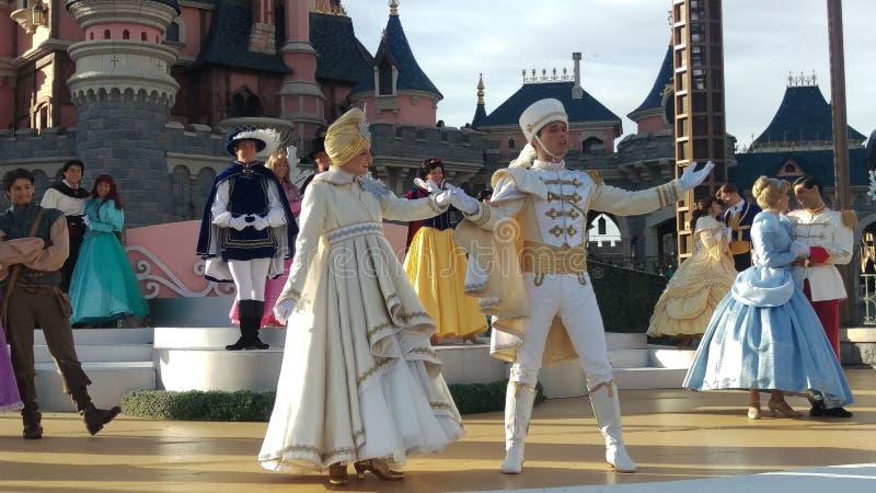 Manifestazione Disneyland Parigi 2015 del castello di Natale immagini stock libere da diritti