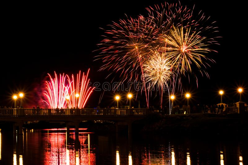 Manifestazione spettacolare dei fuochi d'artificio in Southport immagine stock