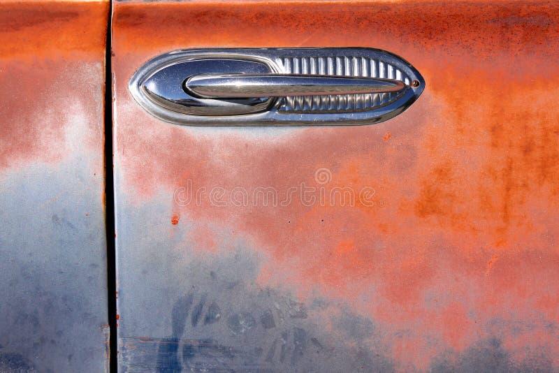 Maniglia di portello di vecchia automobile immagini stock libere da diritti