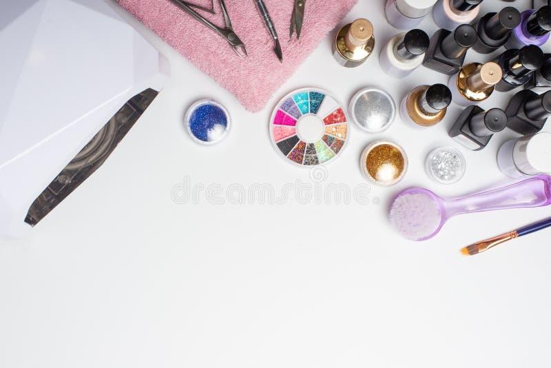 Manikyr - hjälpmedel för att skapa, stelnar polermedel som är alla för behandlingen av, spikar, begreppet av skönhet, omsorg Bane arkivbild