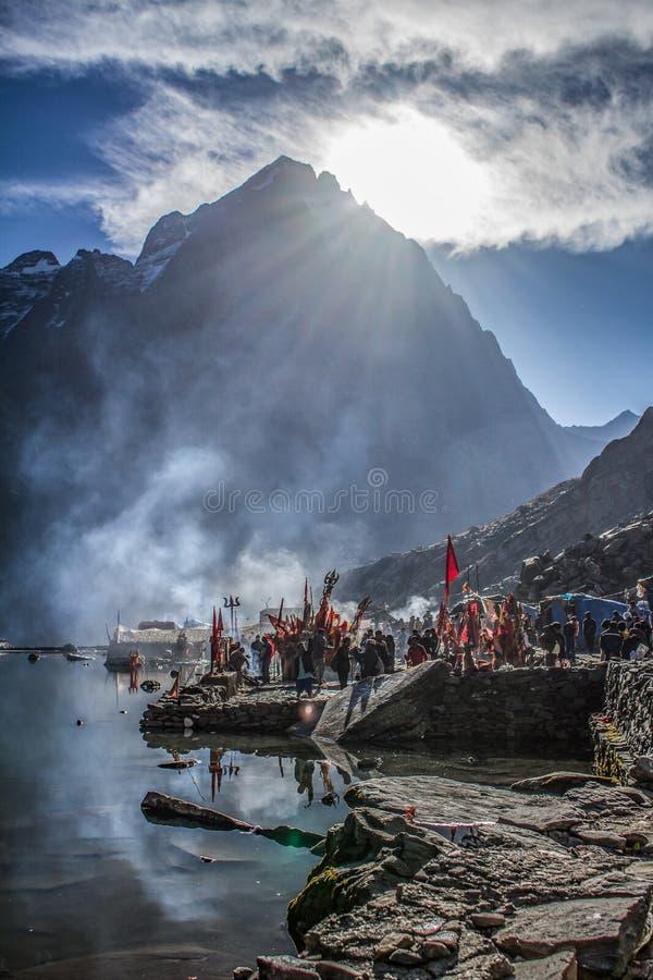 Manimahesh der Wohnsitz von Lord Shiva stockfotos