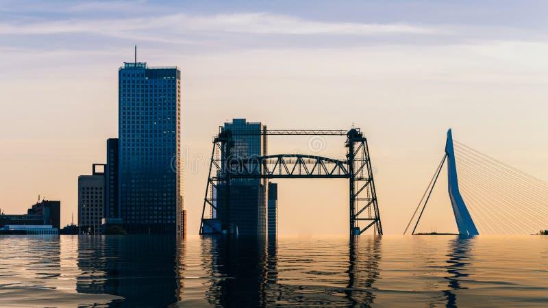 Manipolazione di Digital di orizzonte sommerso di Rotterdam con Erasmus Bridge e Kop van Zuid, Paesi Bassi fotografia stock libera da diritti