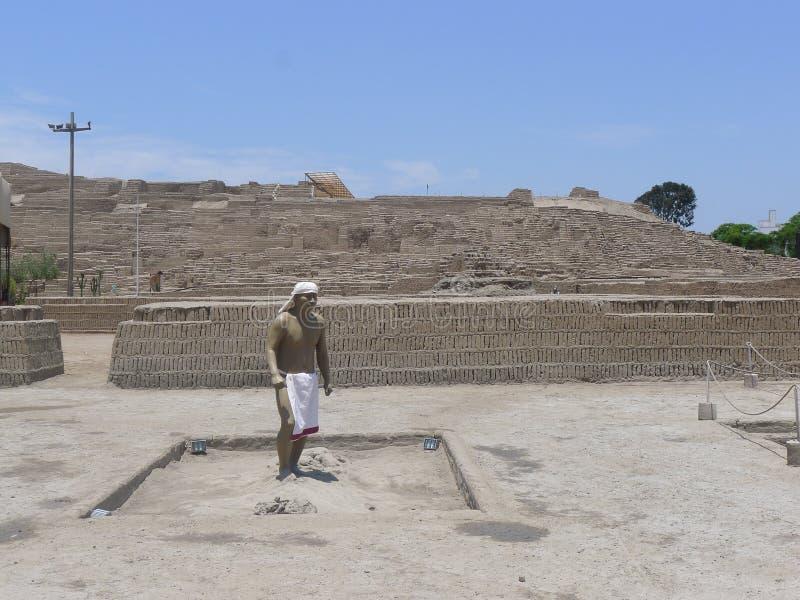 Maniquí en el Huaca Pucllana en Miraflores, Lima fotografía de archivo libre de regalías