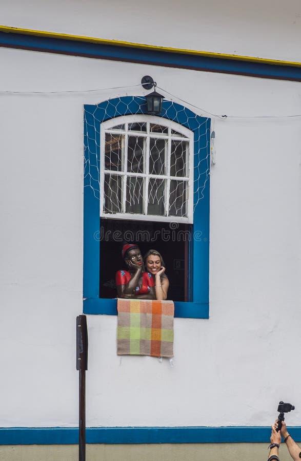 Maniquí y turista de la mujer negra en Ouro Preto, Minas Grais, el Brasil imagen de archivo libre de regalías