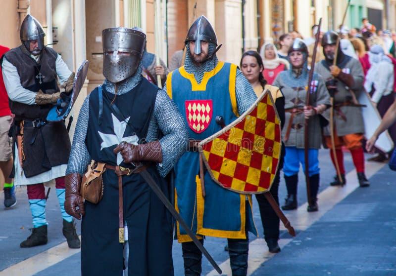 MANISES, VALENCIA /SPAIN - 7 OKTOBER 2018: 9 Octubre celebratioin met middeleeuwse parade van middeleeuwse karakters in historisc stock afbeelding