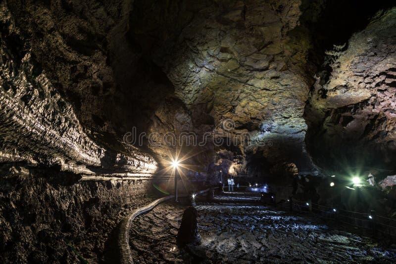 Manjanggul在济州海岛上的熔岩管洞在韩国 免版税库存图片