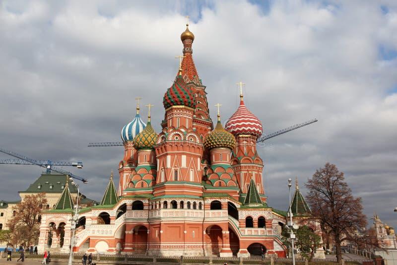 Manjericão do St. da catedral da intercessão no quadrado vermelho, Moscou, Rússia imagem de stock