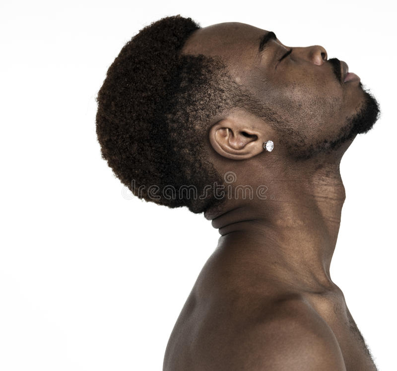 Manlig etnicitet för manståendestudio royaltyfria foton