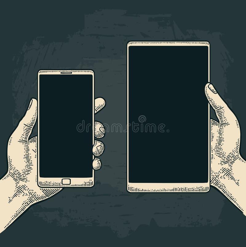 Manlig hand som rymmer en modern mobiltelefon Tappning dragen vektorgravyr stock illustrationer