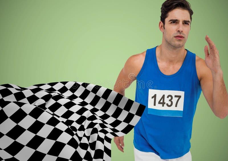 Manlig löpare som sprintar mot grön bakgrund och rutig flagga arkivbild