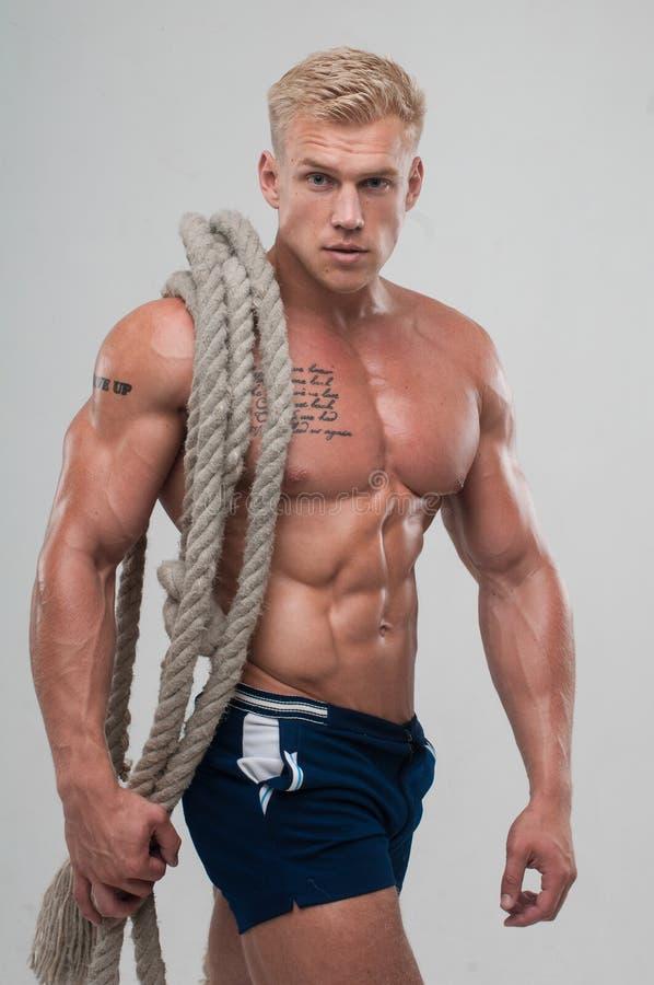 Manlig modell Serge Henir arkivfoto