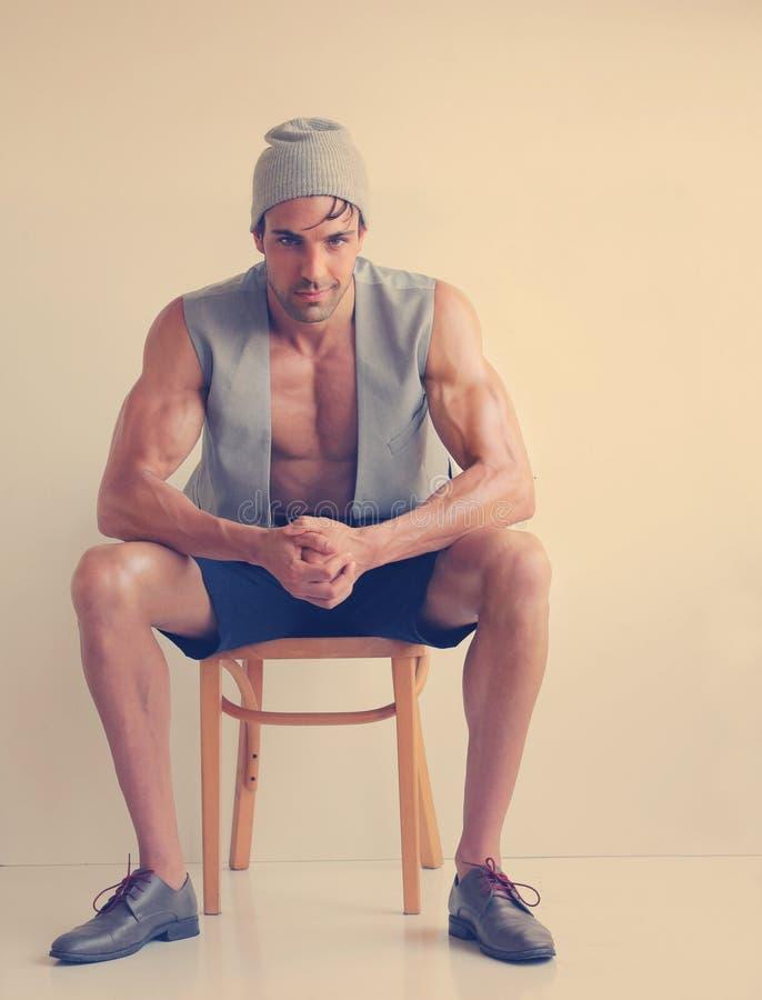 Manlig modemodell arkivfoto
