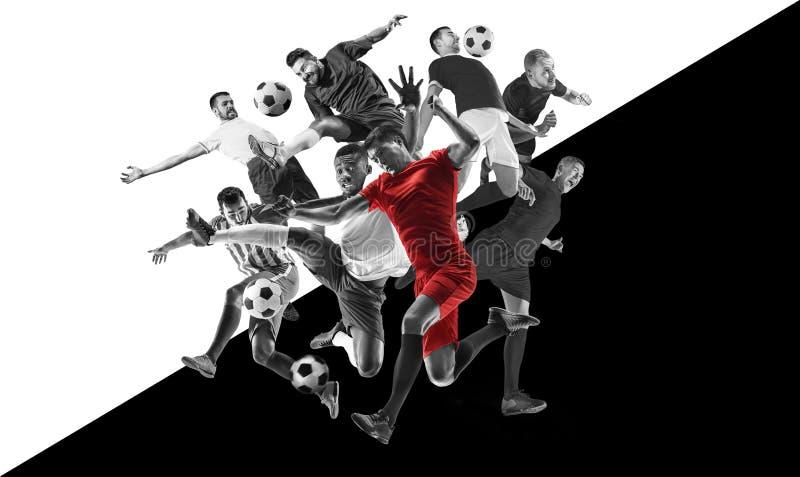 Manliga fotbollsspelare i handling, idérik svartvit collage arkivfoton